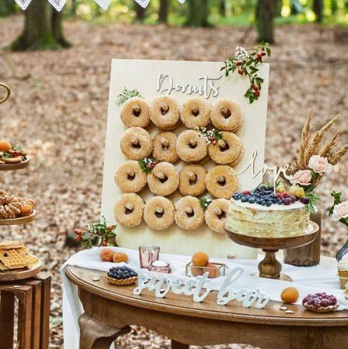 bruiloft-decoratie-houten-donut-wall-forest-wedding-4