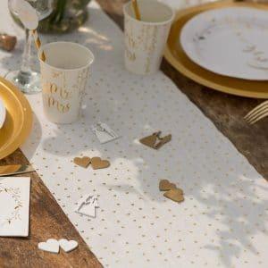 bruiloft-decoratie-tafelloper-golden-hearts-2