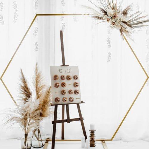 bruiloft-decoratie-backdrop-standaard-hexagon-gold-2