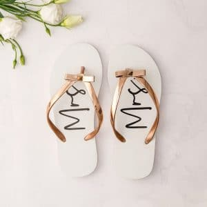 bruiloft-decoratie-slippers-mrs-white-rose-gold3