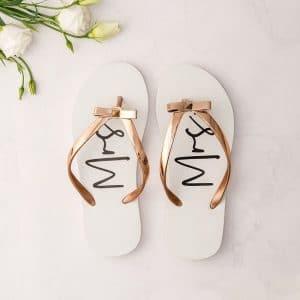 bruiloft-decoratie-slippers-mrs-white-rose-gold3