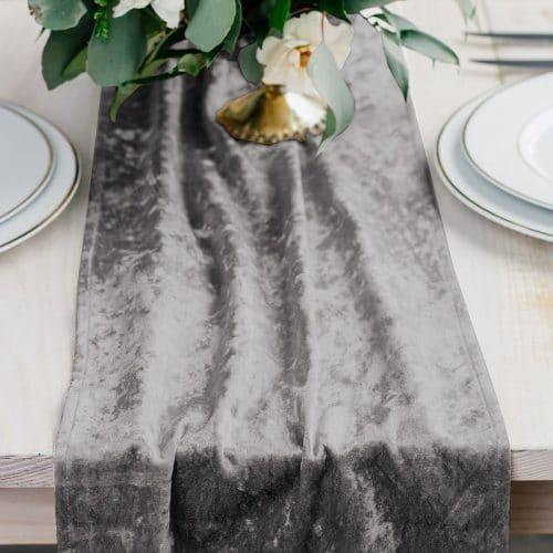 bruiloft-decoratie-velvet-tafelloper-silver-2