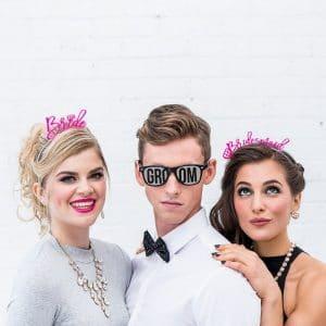 bruiloft-decoratie-zonnebril-groom-black-white4