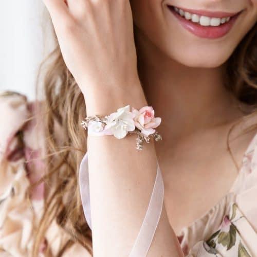 bruiloft-decoratie-polscorsage-bloem-peach-2