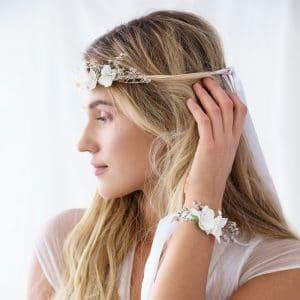 bruiloft-decoratie-polscorsage-bloem-wit-3