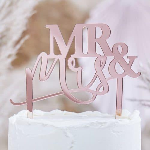 bruiloft-decoratie-acryl-cake-topper-mr-mrs-a-touch-of-pampas