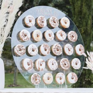 bruiloft-decoratie-acryl-donut-wall-treat-yourself-a-touch-of-pampas