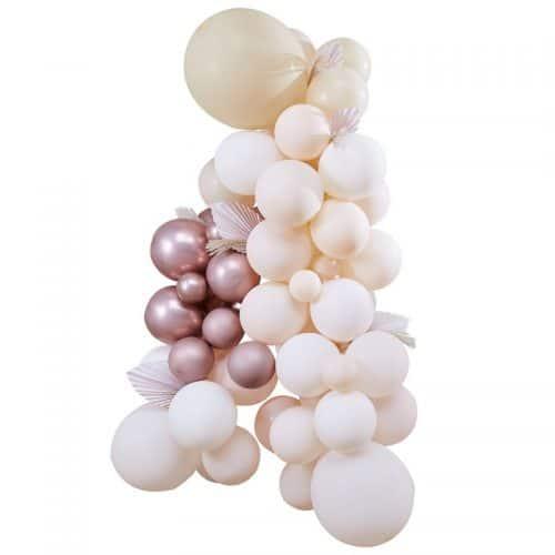 bruiloft-decoratie-ballonnenboog-white-peach-rose-gold-a-touch-of-pampas-3