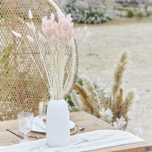 bruiloft-decoratie-bunny-tails-soft-pink-a-touch-of-pampas