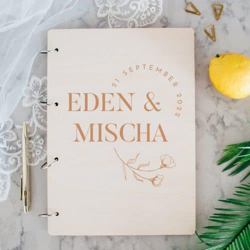 bruiloft-decoratie-gastenboek-hout-moderne-bloem-gepersonaliseerd