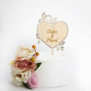 bruiloft-decoratie-taarttopper-bloemenhart-bruiloft-gepersonaliseerd