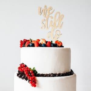 bruiloft-decoratie-taarttopper-we-still-do-gepersonaliseerd