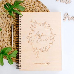 bruiloft-decoratie-gastenboek-krans