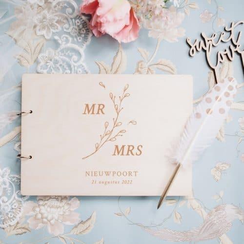 bruiloft-decoratie-gastenboek-mr-mrs-botanisch